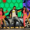 Varun Dhawan performs at Umang 2014