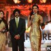 Dia Mirza gives Deepika the Best Actor Award Female for Goliyon Ki Raasleela RamLeela