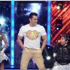 Salman Khan performs at the stage of Jhalak Dikhhla Jaa