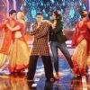 Salman Khan : Sonakshi Sinha Promotes Action Jackson on Bigg Boss 8