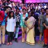 Remo Dsouza : Contestants of Dance Plus Click a Picture with Remo Dsouza's Mother