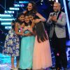 Sonakshi With Contestants at Indian Idol Junior Season 2 Grand Finale