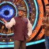 Randeep Hooda Promotes Main Aur Charles on Bigg Boss Nau with Host Salman Khan