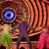 Bigg Boss Nau Day 21 - Salman Khan Dances on the Sets