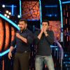 Manish Paul : Manish Paul and Salman Promoting 'Tere Bin Laden : Dead or Alive' on the sets of Bigg Boss 9