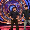 Manish Paul : Manish Paul and Salman Khan Promotes 'Tere Bin Laden : Dead or Alive' on the sets of Bigg Boss 9