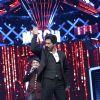 Shah Rukh Khan performs at Mirchi Music Awards 2016