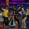 Riteish Deshmukh dances at Promotion of 'Banjo' on sets of Dance Plus 2