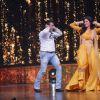 Salman - Katrina dance on the tunes of O O Jane Jana at a show