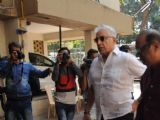 Celebs gather outside Om Puri's residence to pay last respects!