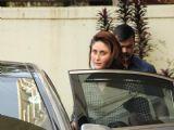 Kareena Kapoor Snapped in Bandra