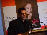 Salman Khan at Khalid Mohamed's book launch on Asha Parikh!