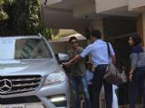 Celebs snapped in Bandra!