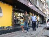 Farhan Akhtar snapped shopping with his children