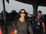 Vidya Balan-Kriti Sanon at the Airport!