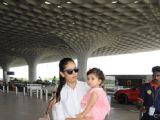 Mira Rajput with her munchkin Misha Kapoor at the Airport