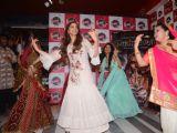 Deepika Padukone grooves on the tunes of Ghoomar