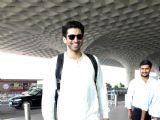 Aditya Roy Kapoor,Javed Akhtar,Kiara Advani,Daisy Shah spotted at airport