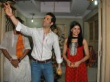 "Tushar Kapoor and Prachi Desai seek blessings to promote ""Life Partner"" at Andheri"