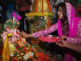 "Priyanka Chopra performing Ganesh pooja at ""Andheri Ka Raja"""