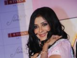"Nandana Sen launches Titan ""RAGA FLORA"" collection"
