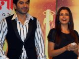 Tollywood actors Jeet and Koel unveiling of the new Trophy of Anandalok Purashkar 2009 at a function in Kolkata