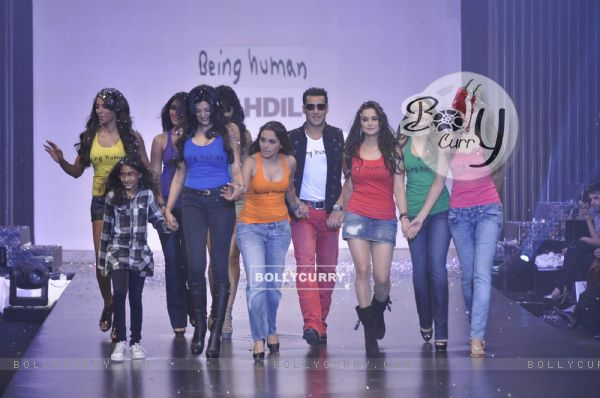 Salman Khan with Karishma, Rani, Sushmita, Preity, Priyanka, Bipasha, Katrina at Being Human show