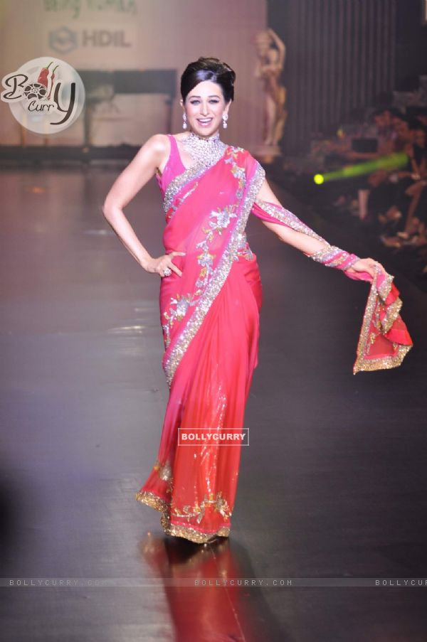 Karishma Kapoor in Being Human show at HDIL India Couture Week 2010