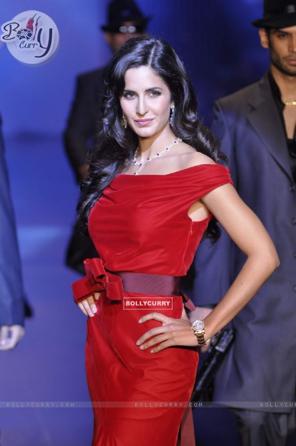 Katrina Kaif in Being Human show at HDIL India Couture Week 2010