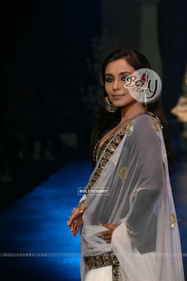 Rani Mukherjee in Being Human show at HDIL India Couture Week 2010