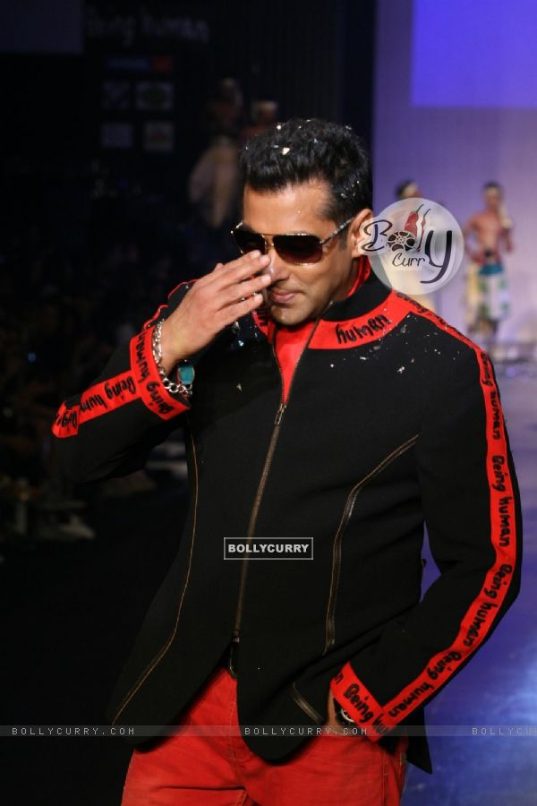 Salman Khan in Being Human show at HDIL India Couture Week 2010