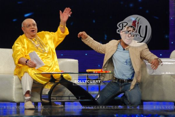 Salman Khan with Bejan Daruwalla in Bigg Boss 4