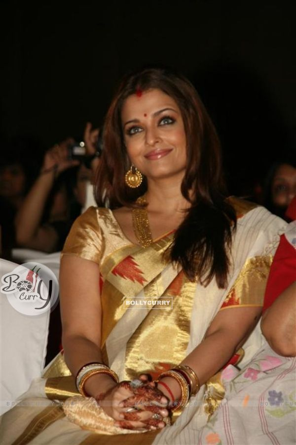 Aishwarya Rai at Audio release of 'Khelein Hum Jee Jaan Sey'