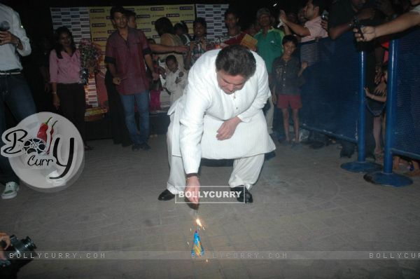 Rishi Kapoor celebrate Diwali at Fame Big Cinema
