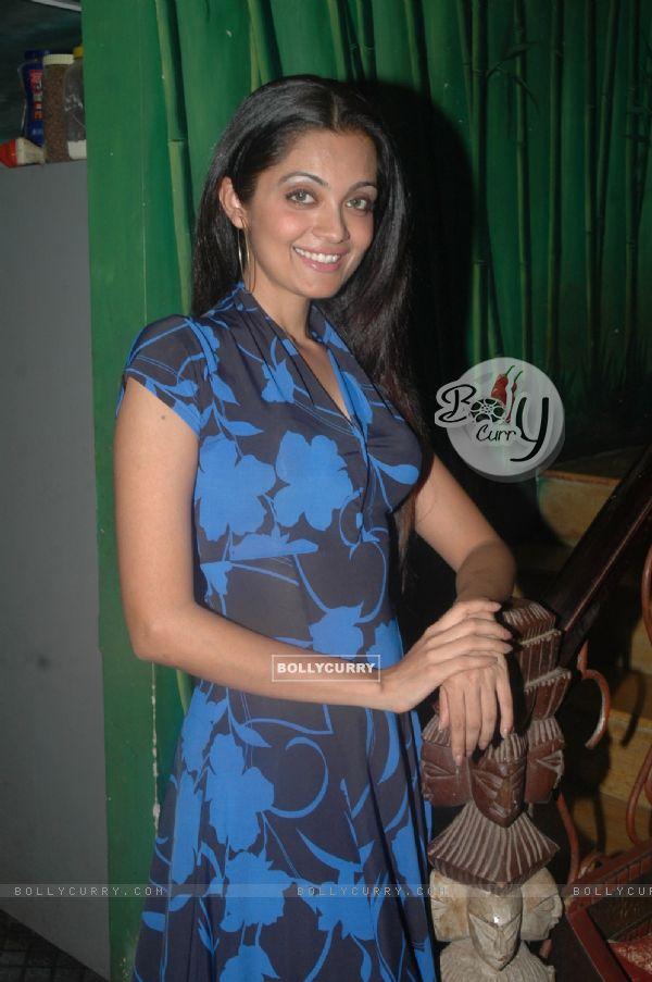 ... : Sheena Chohan at Dr Manish Maladkars book launch at MHADA