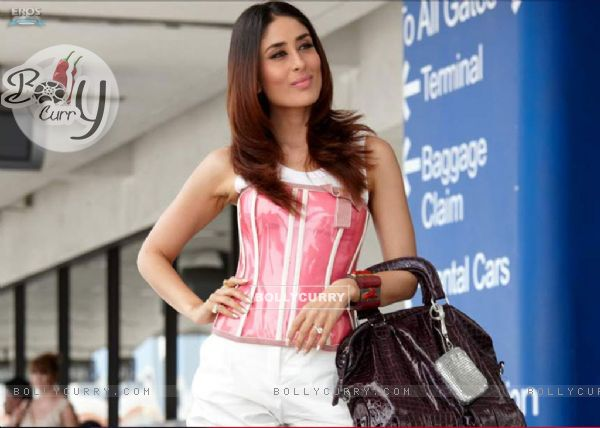 Cute Kareena in Kambakth Ishq