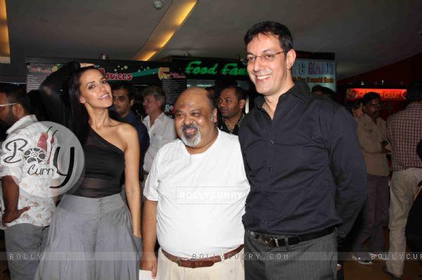 Neha Dhupia,Saurabh Shukla and Rajat Kapoor at Premier Of Film Phas Gaye Re Obama at Cinemax Versova