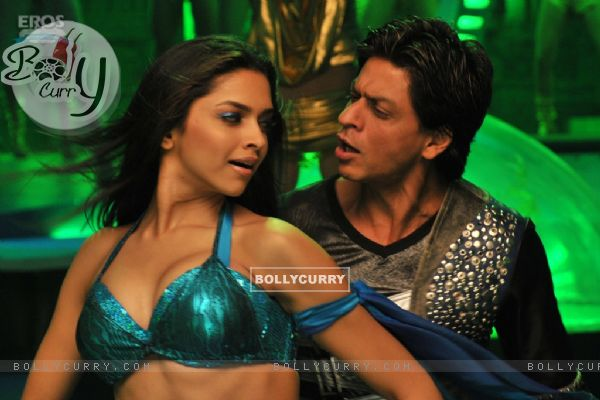 Shahrukh Khan and Deepika lookin g nice together