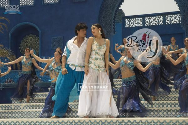 Shahrukh and Kareena in marjani song (11097)