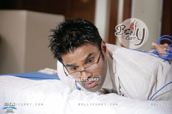 Sunil Shetty looking shocked (11589)