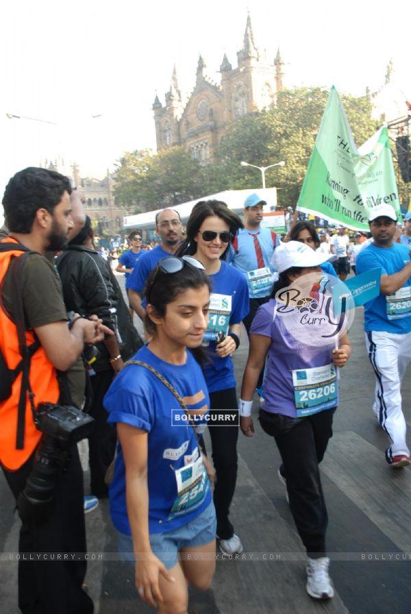 Yana Gupta at Standard Chartered Mumbai Marathon 2011