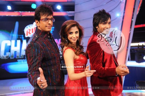 Javed Jaffrey, Urmila Matondkar and Terrence Lewis as a Judges of Chak Dhoom Dhoom Team Challenge