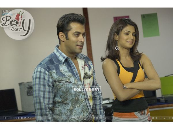 Salman and Priyanka looking happy
