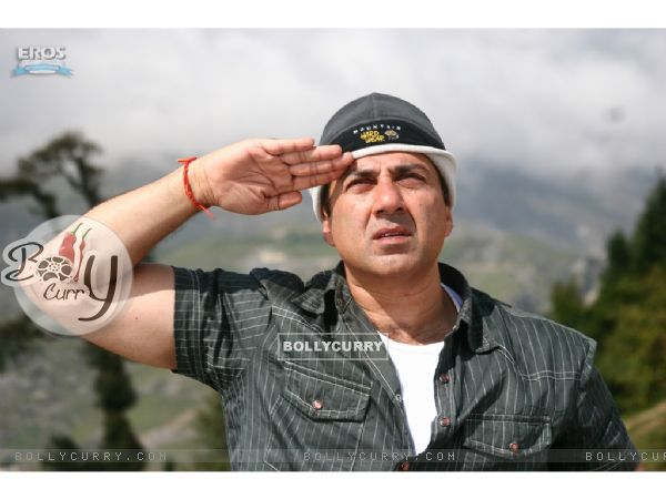Sunny Deol giving salute to Indian Army