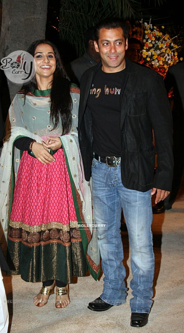 Imgllycurryimages600x0120255 Salman And