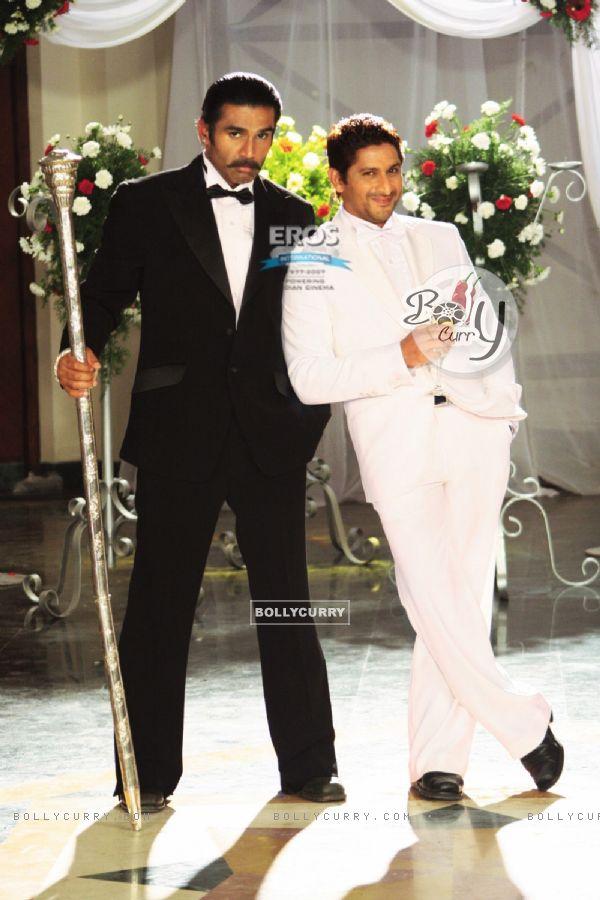 Sunil Shetty and Arshad Warsi in Mr. White Mr. Black movie (12159)