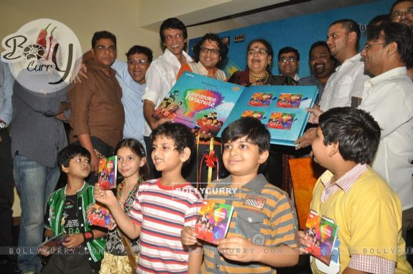 Star cast at music launch of film''Satrangee Parachute'' in ST Catherine's children home (122181)