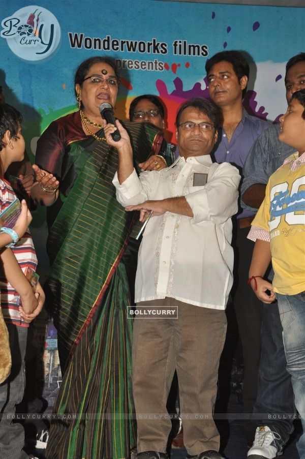 Usha Uthup and Lilliput at music launch of film'Satrangee Parachute' in ST Catherine's children home (122182)