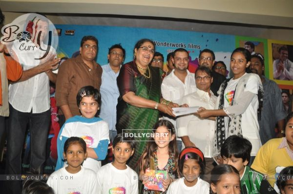 Star cast at music launch of film''Satrangee Parachute'' in ST Catherine's children home (122183)