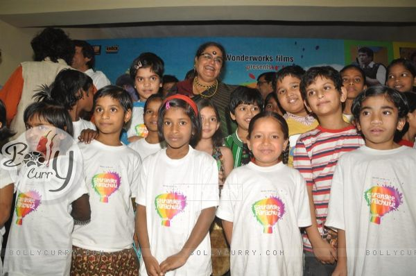 Usha Uthup at music launch of film''Satrangee Parachute'' in ST Catherine's children home (122184)